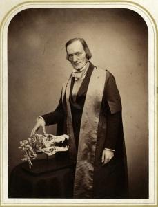 Richard-Owen-zoologo-dinosaurios