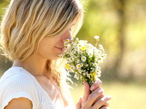 Smelling_Shutterstock_300