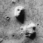 150725-face-mars