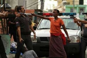 woman-stops-cops-from-beating-her-son